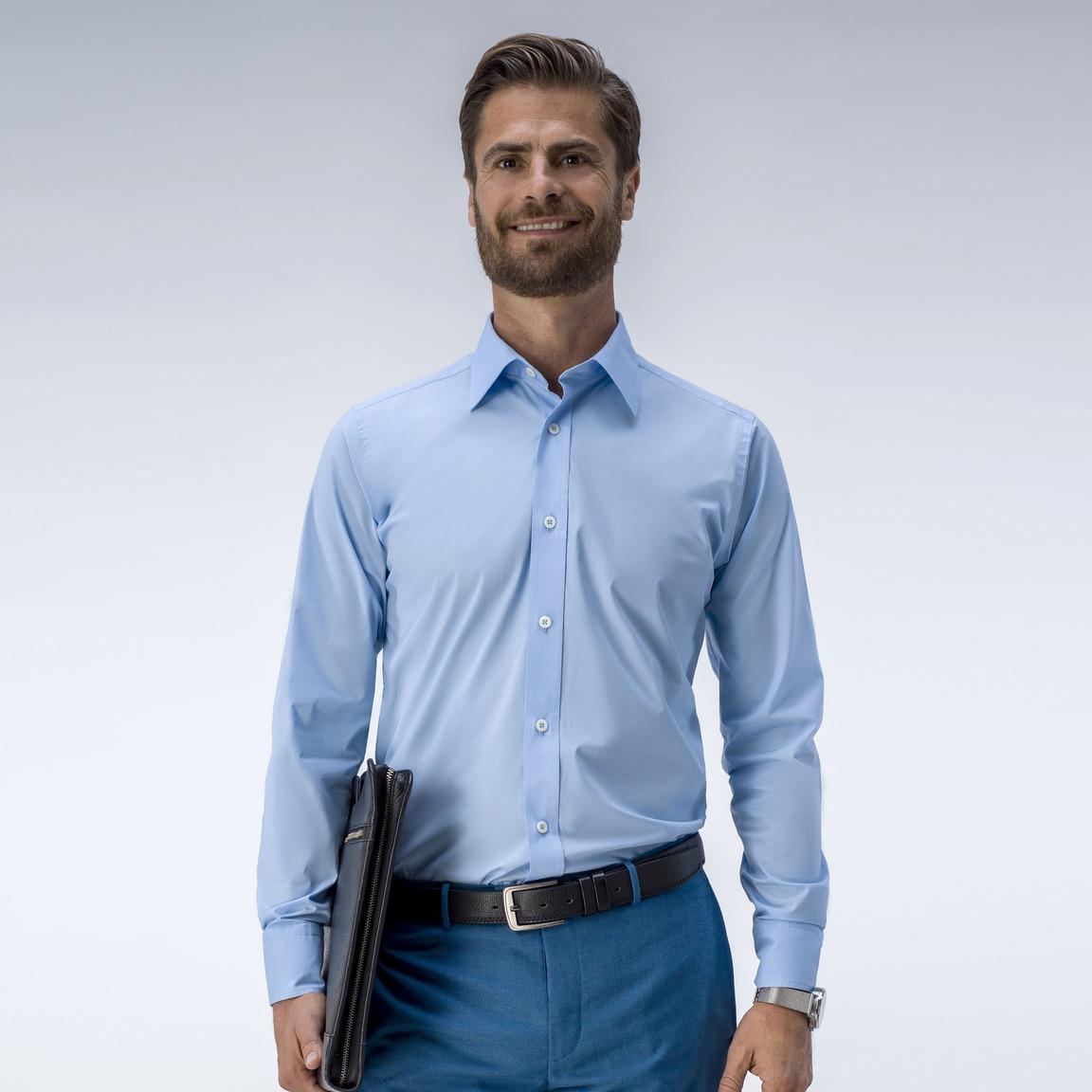 Ljusblå skjorta med stretch