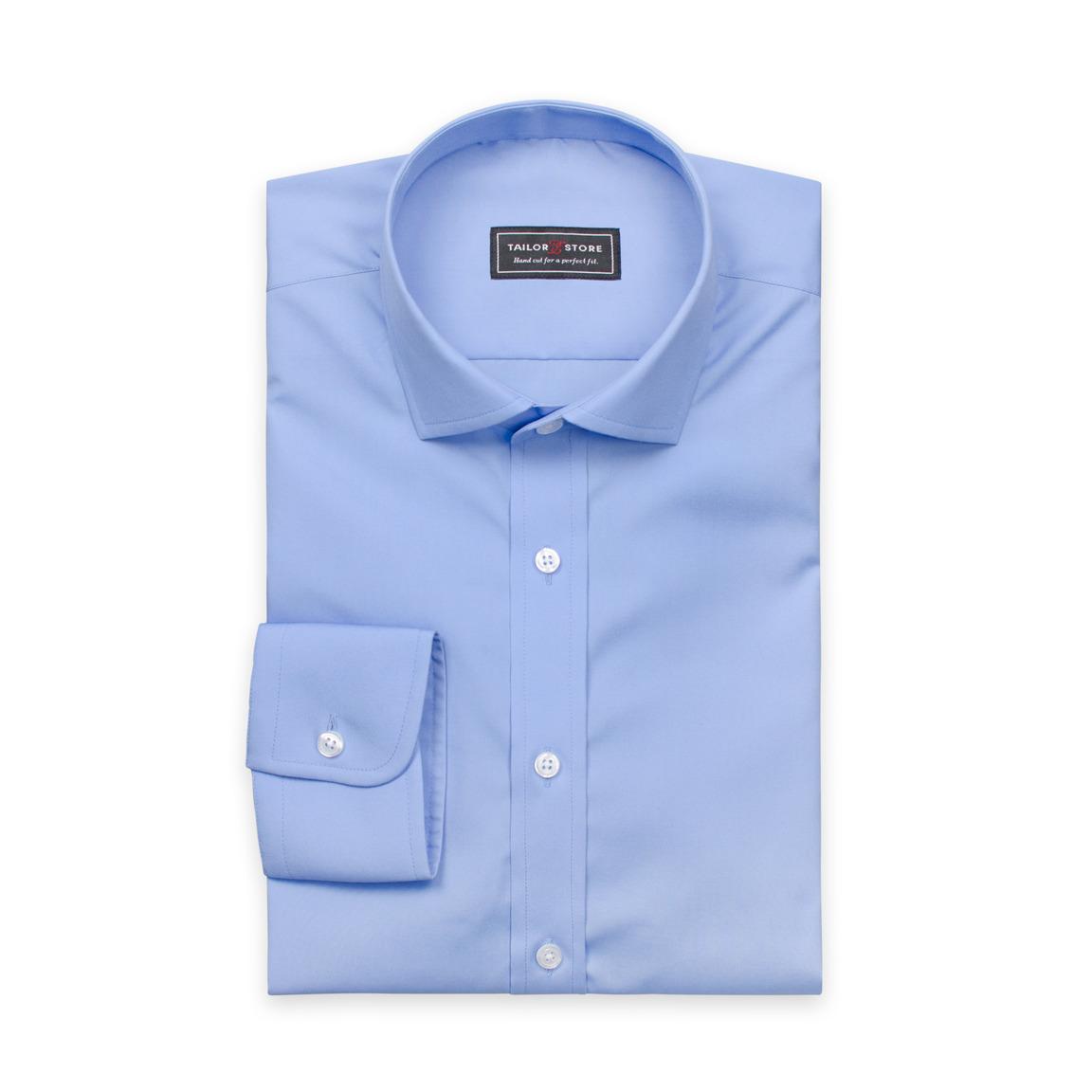 Blå poplinskjorta med cut-away modern krage