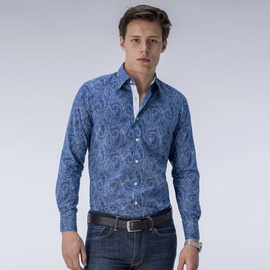 Chemise bleue à motifs