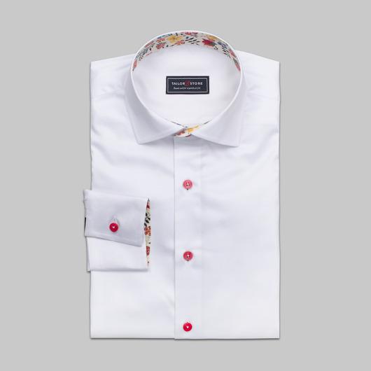 Vit skjorta med röda knappar och kontraster i Liberty Art