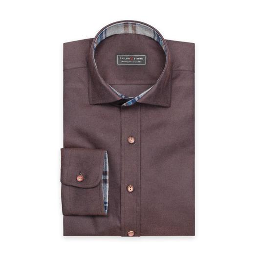 Brun flanellskjorta med cut-away classic krage